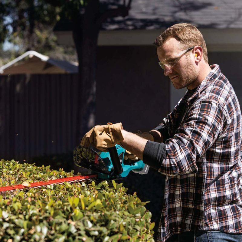 The Best Hedge Trimmers for Your Backyard
