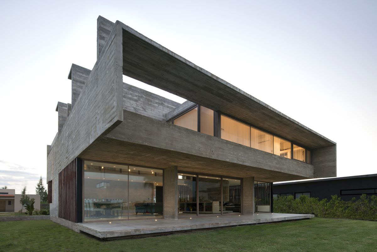 Beautiful Houses That Make Simple Concrete Walls Look Amazing