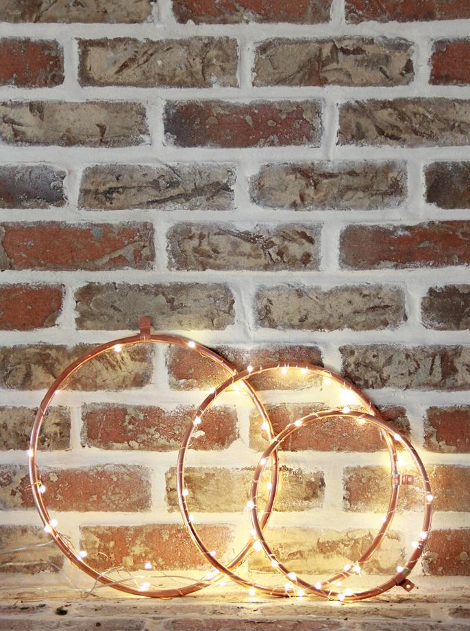 Minimalist wreaths with string lights
