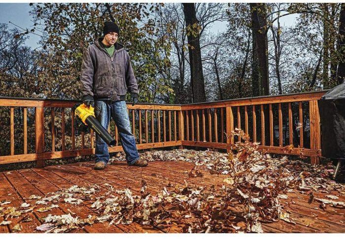 DeWalt cordless leaf blower