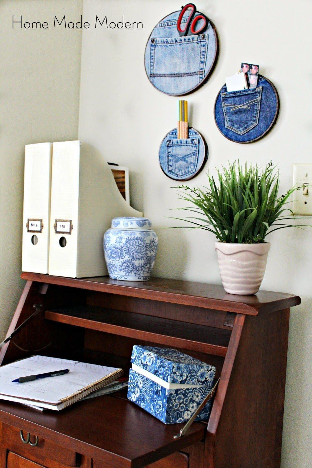 Innovative organizers using old jeans and embroidery hoops