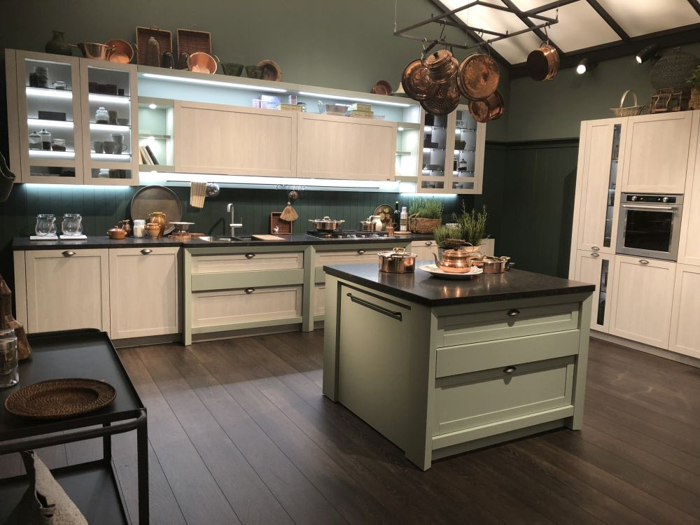 Kitchen layout with hanging pots