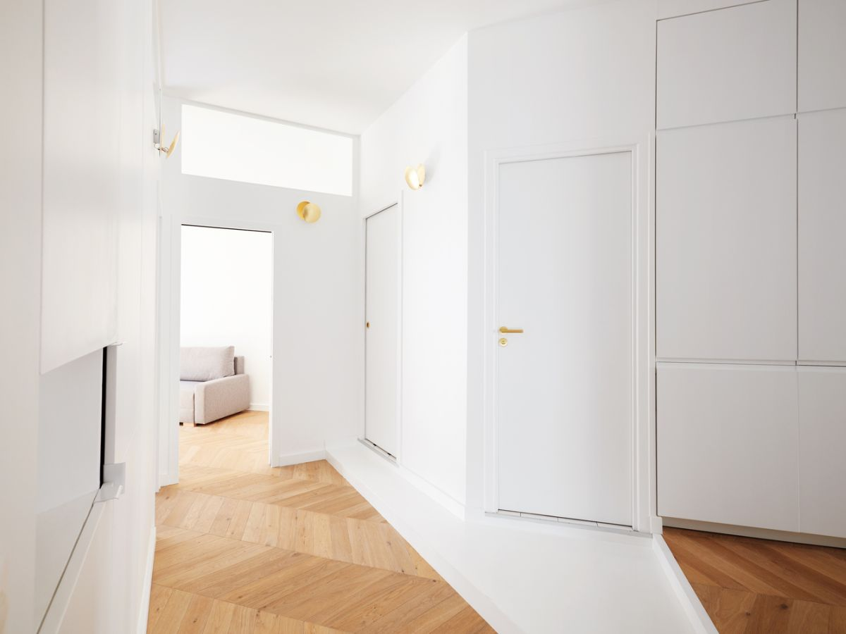 New openings were added in order to allow the natural light to travel between the spaces