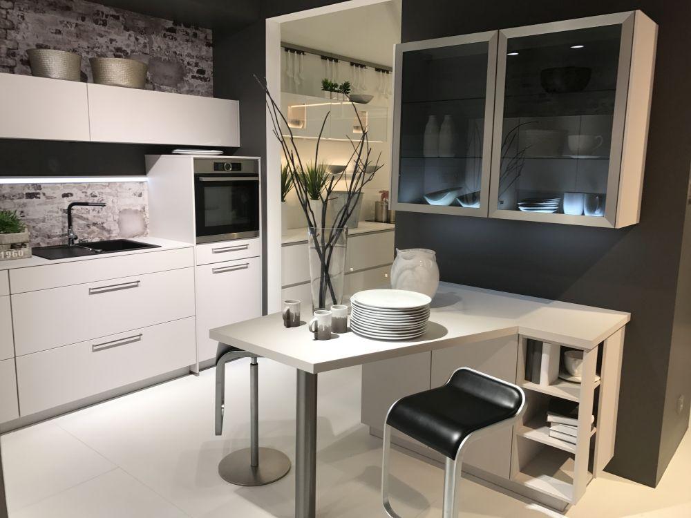Small kitchen bar design