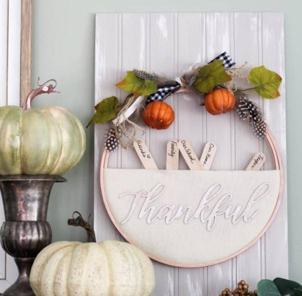 Thanksgiving wreath decoration