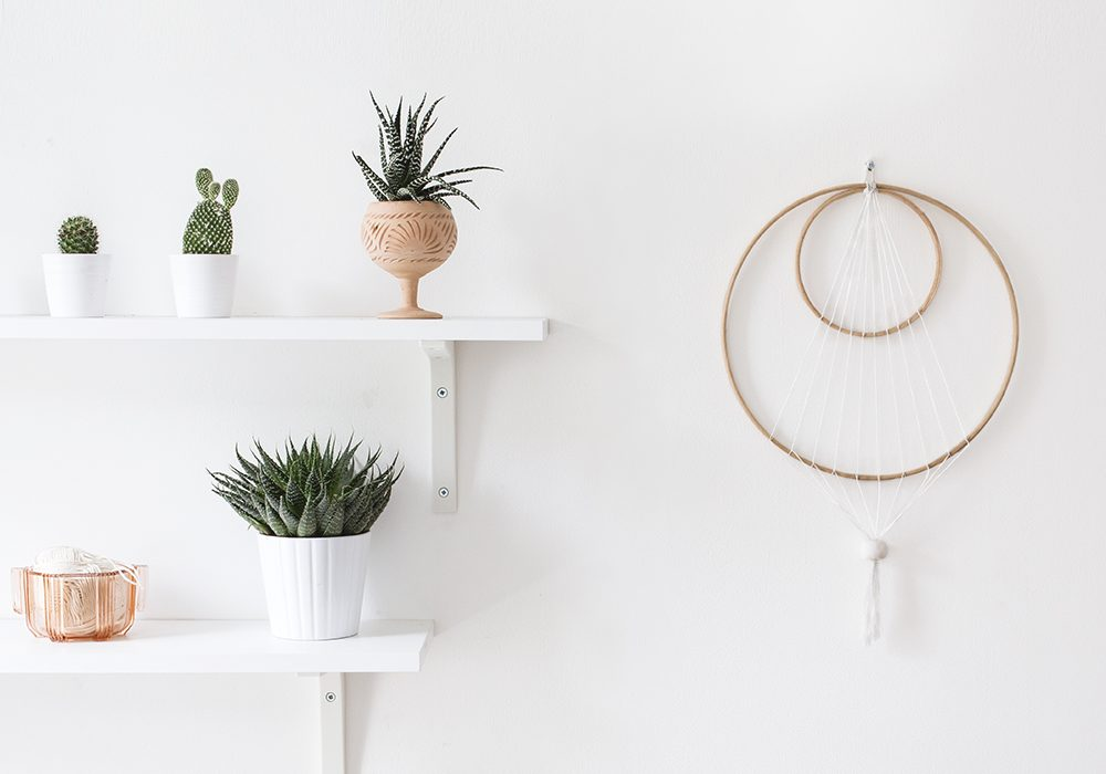 Double hoop and string design