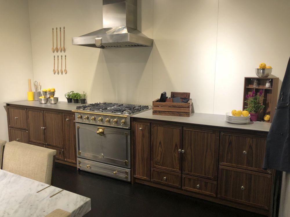 Wooden kitchen cabinets with la cornue stove
