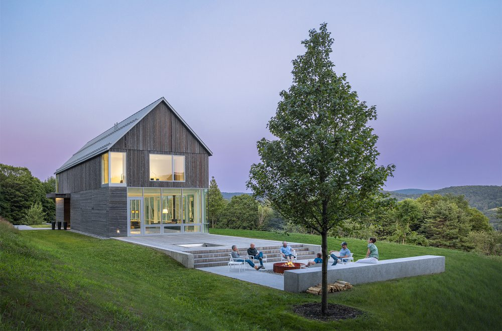 The house takes inspiration from local farm structures which are typically built into the hills