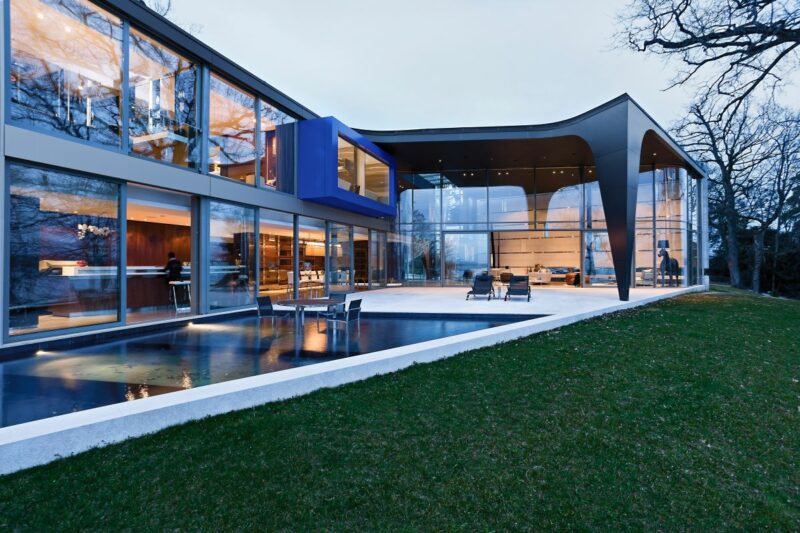 Sculptural House With A Unique Design On The Banks of Lake Geneva