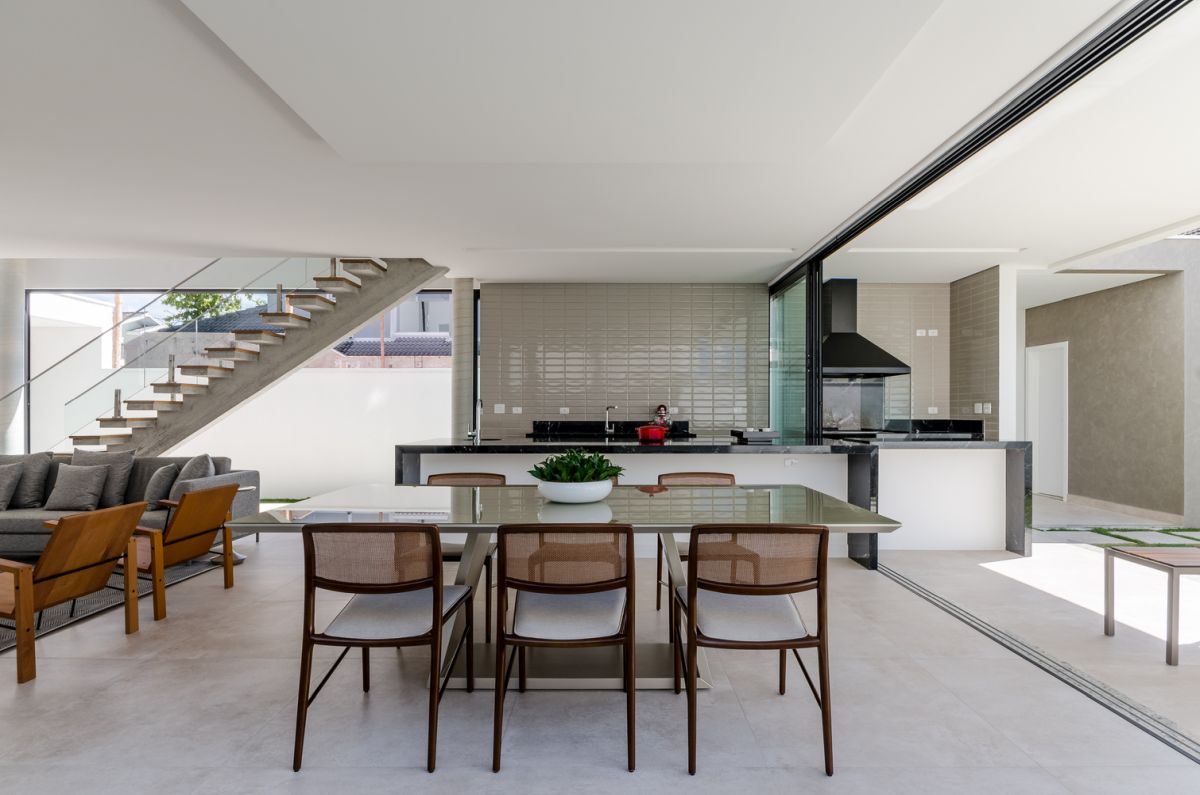 Concrete, wood and glass are the primary materials which have been used throughout the entire house