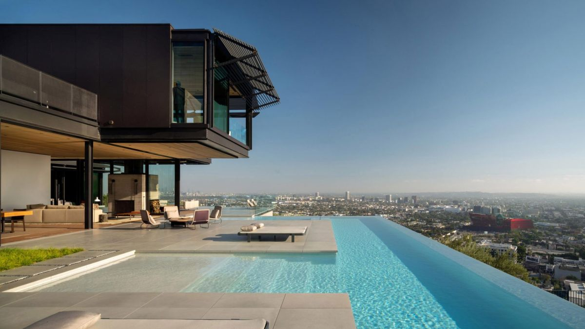 The infinity pool is the major outdoor feature and looks amazing
