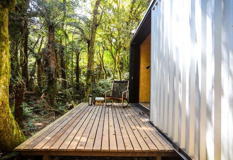 Alpes São Chico Housing Complex design Porto Quadrado deck - A Trio Of Vacation Houses Built With Prefab Metal Panels
