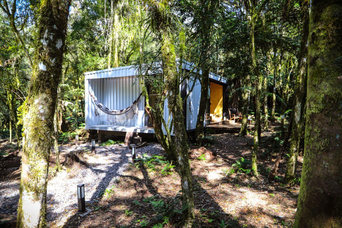Alpes São Chico Housing Complex design Porto Quadrado gravel - A Trio Of Vacation Houses Built With Prefab Metal Panels