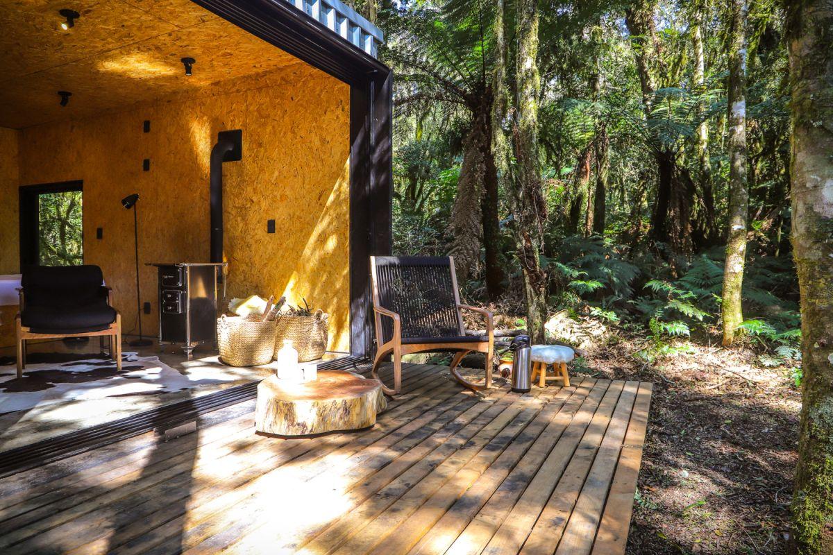 Alpes São Chico Housing Complex design Porto Quadrado small patio - A Trio Of Vacation Houses Built With Prefab Metal Panels