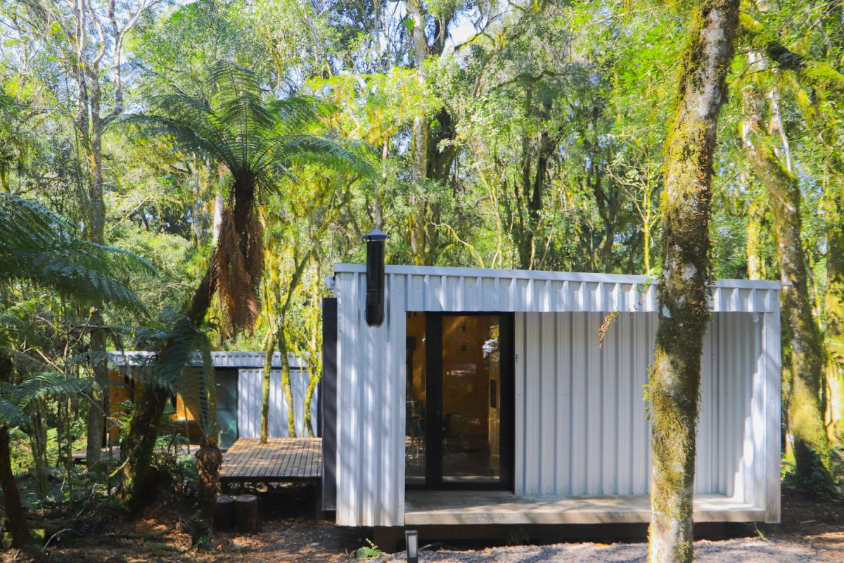 In total, 48 prefabricated metal panels were used for the three houses
