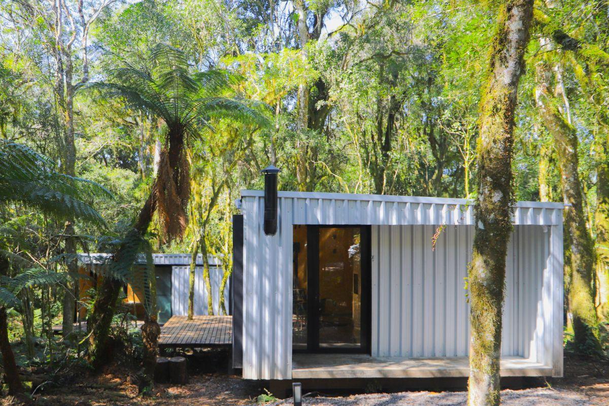 Alpes São Chico Housing Complex design Porto Quadrado steel - A Trio Of Vacation Houses Built With Prefab Metal Panels