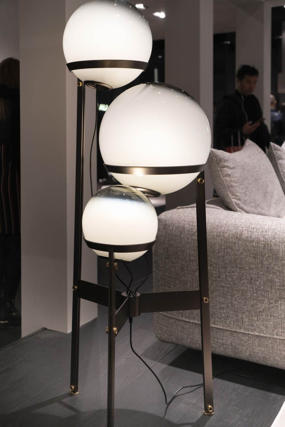 Arketipo lamps design - Lighting Fixtures that Will Add a Bid Dose of Drama to Your Room