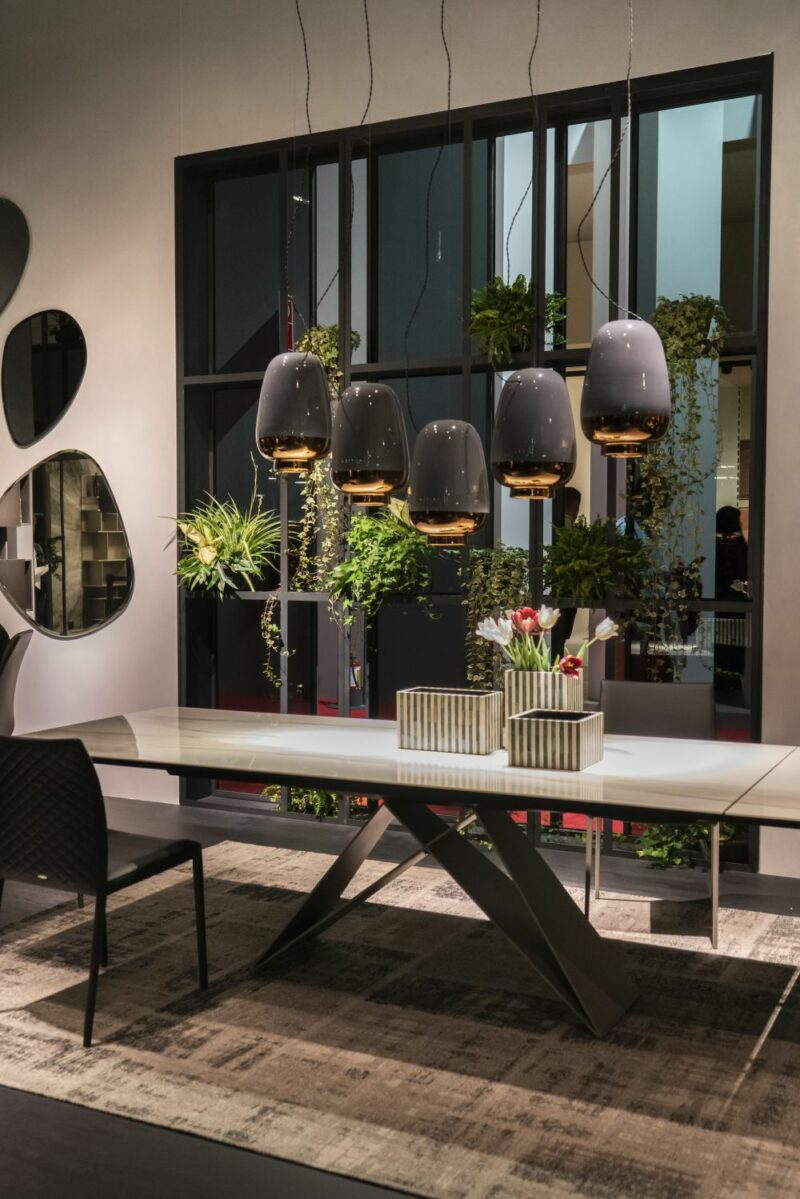 These Chic Dining Tables Have All the Features on Your Wish List