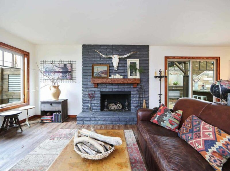 This Vintage House Combines Craftsman Style With a Farmhouse Vibe