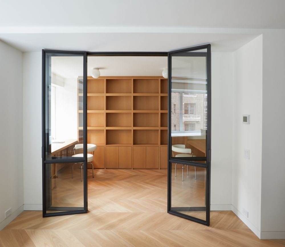 A study room was designed, allowing the owners to occasionally work from home