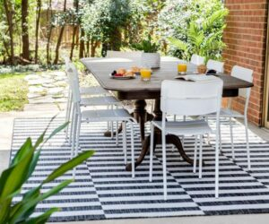 Black and White Outdoor Rugs That Fit Any Space And Style