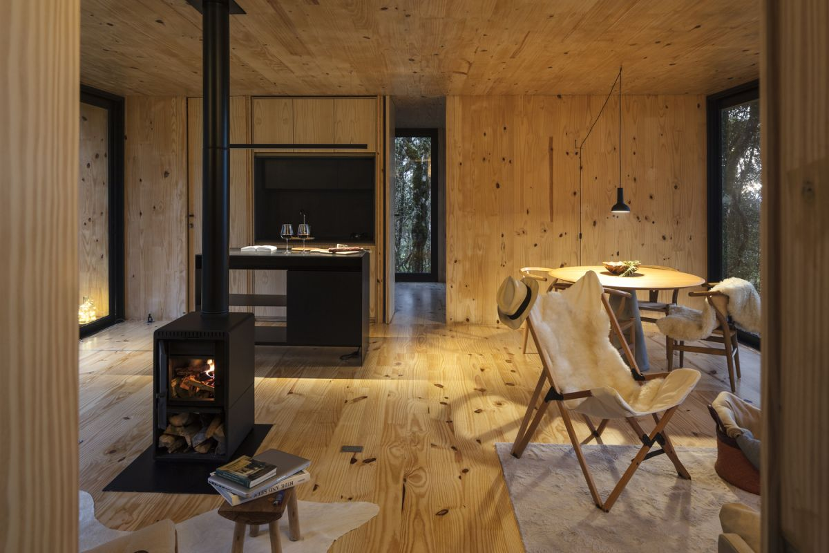 The interior of the cabin is very simple and focused around the bare essentials