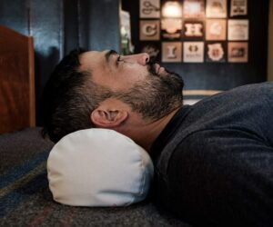8 Best Pillows for Neck Pain – Reviews and Buyer's Guide