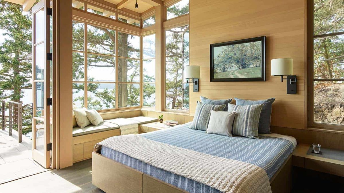 The bedrooms are oriented towards the valley and have large windows bring in lots of natural light