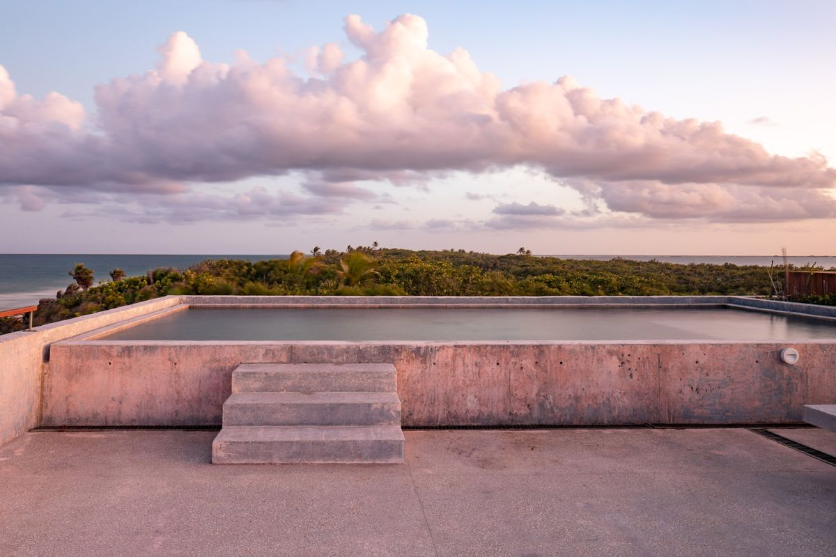 The rooftop terrace offers the best views over the Caribbean Sea, the lagoon and the jungle