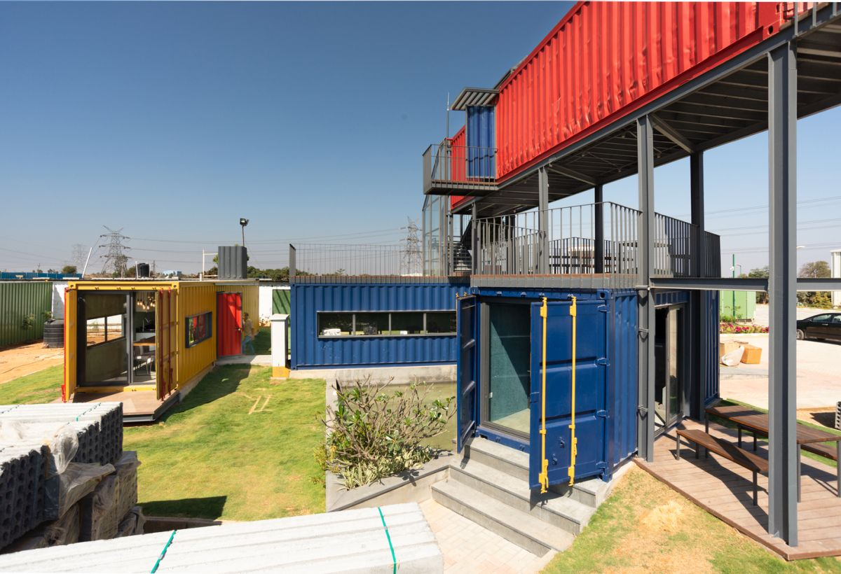 The use of reclaimed shipping containers reflect's the company's drive towards green practices and respect for nature