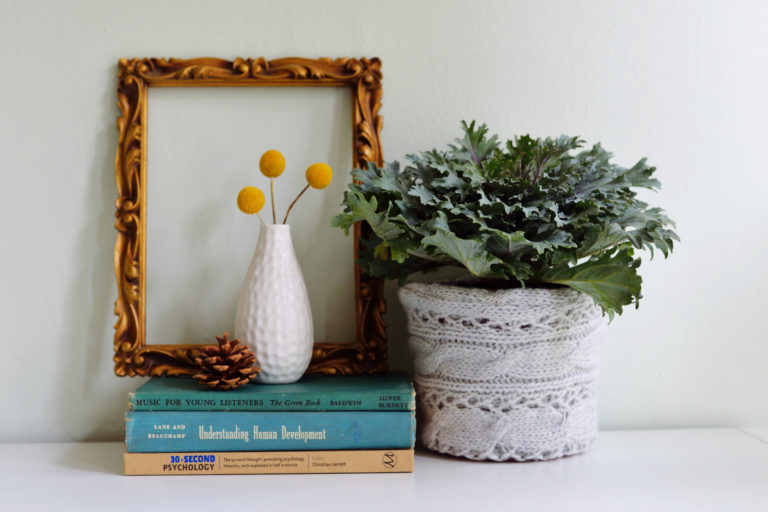 Knitted planter cover