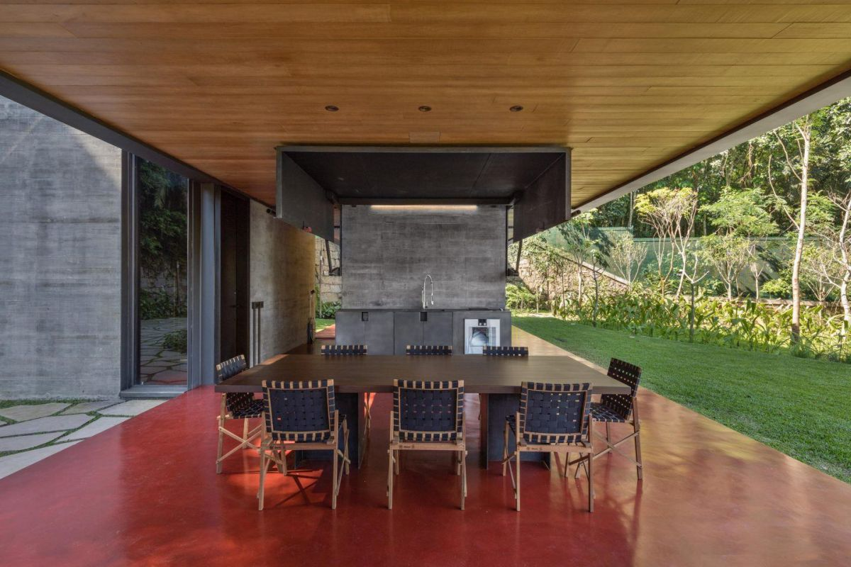 The porch also incorporates an outdoor kitchen and a casual dining area able to accommodate eight people