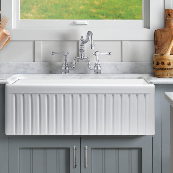Farmhouse Kitchen Sink With Grid and Strainer