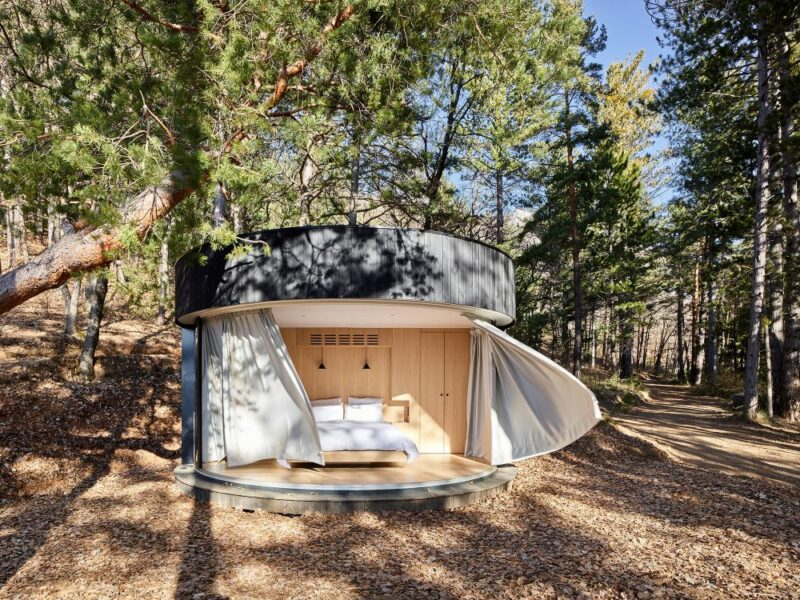 The LumiPod – A Contemporary Prefab Cabin With A Huge Curved Window