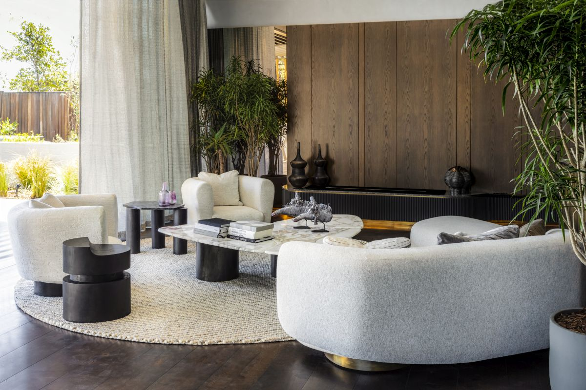 Natural materials and soothing colors and finishes create a welcoming and enjoyable ambiance in the living area