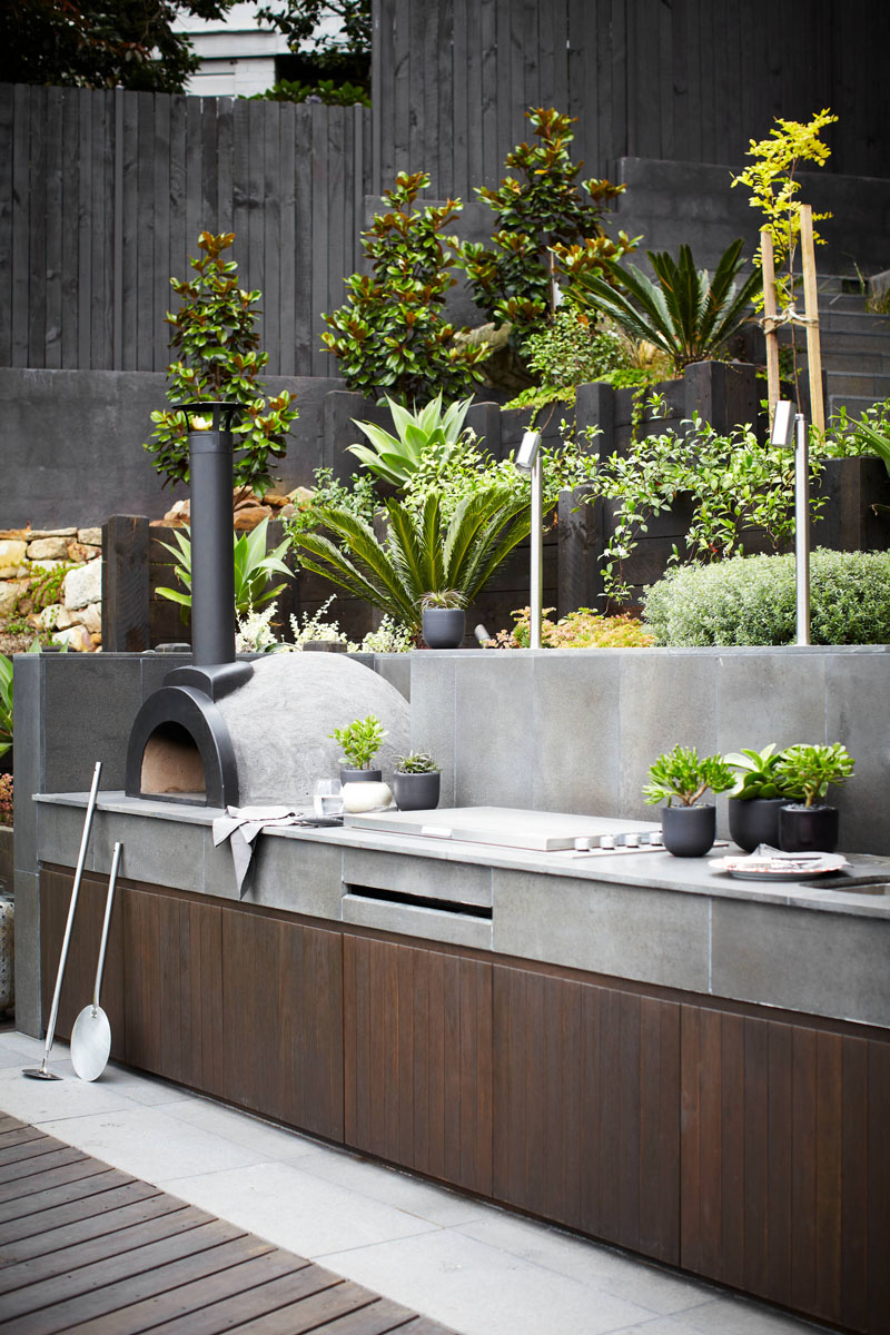 Beautiful Ways To Customize And Design An Outdoor BBQ or Grill Setup