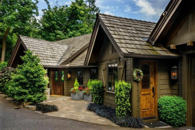 Portland Home Artfully Combines A Craftsman Design with a Contemporary Aesthetic
