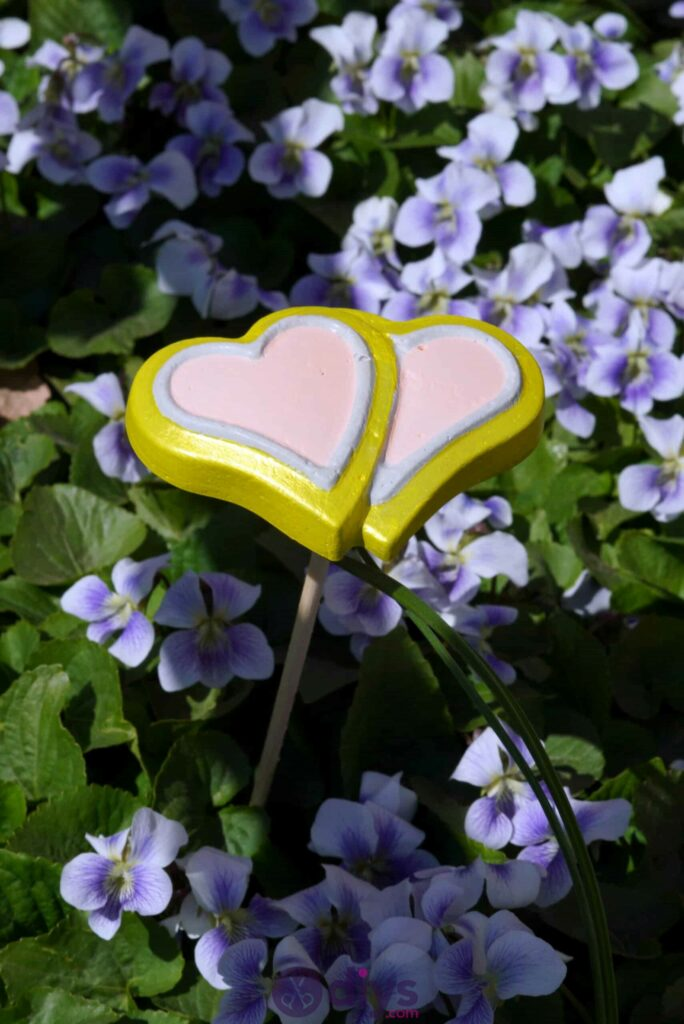 Cute heart-shaped decorations for the garden