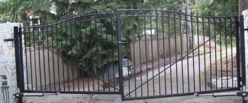 Solar Kit Metal Gate Opener for Dual Swing Gate Up to 1300-lb