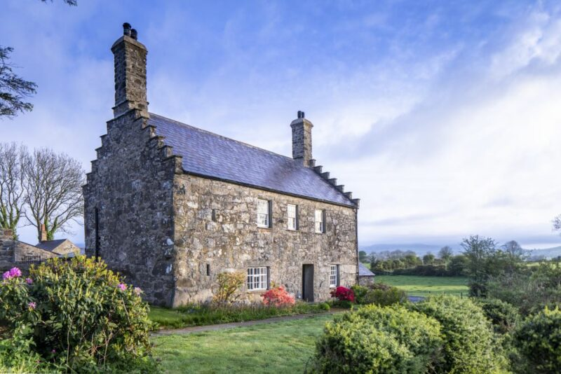 10 Beautiful Old and New Houses From The United Kingdom