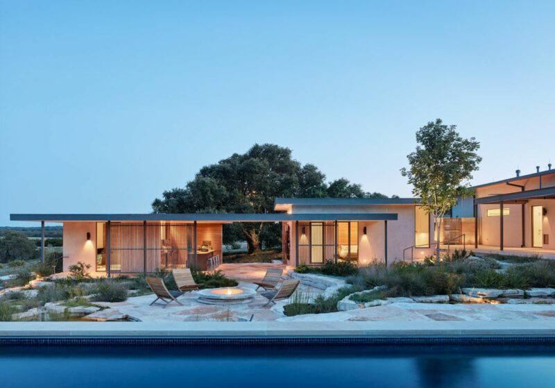 Modern Texas House With A Canyon-Inspired Design