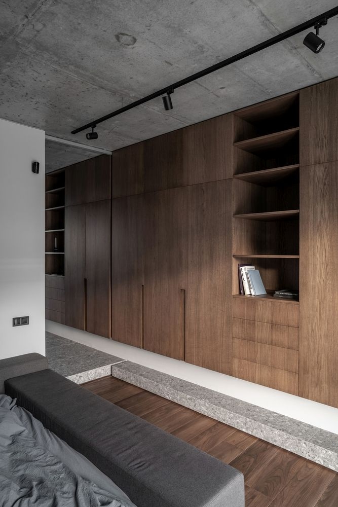 A 7-meter long wardrobe unit offers lots of storage for everything