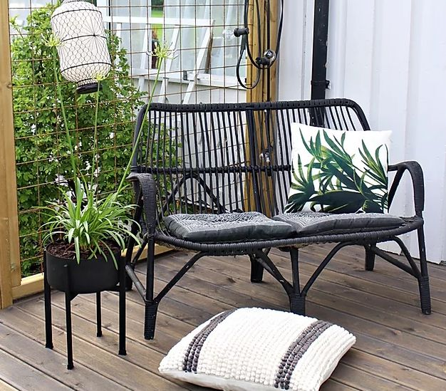 Outdoor seating area makeover