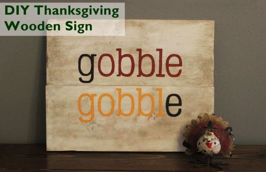 A cute wooden sign for Thanksgiving