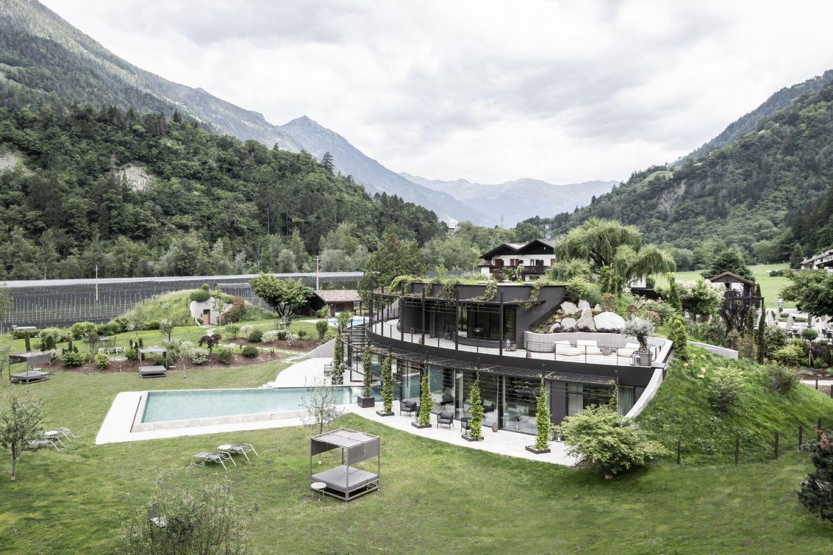 Apfelhotel Torgglerhof - A Very Special Hotel In Italy's Passeier Valley