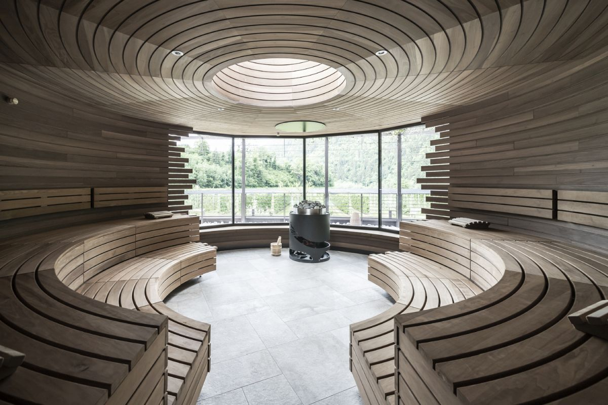 The interior of the sauna is pure and simple and has a very stylish geometry
