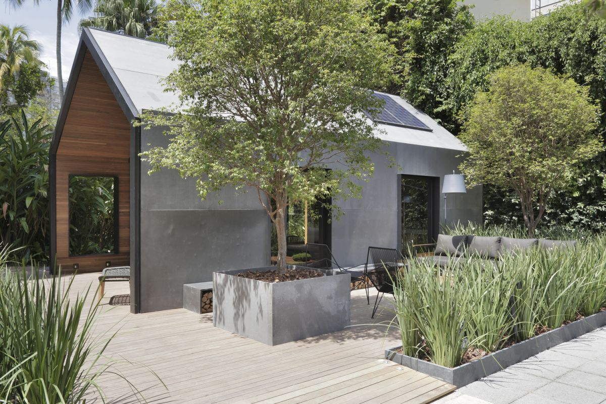 The design focuses a lot on sustainability, offering a series of features such as solar panels and cisterns for collecting rainwater