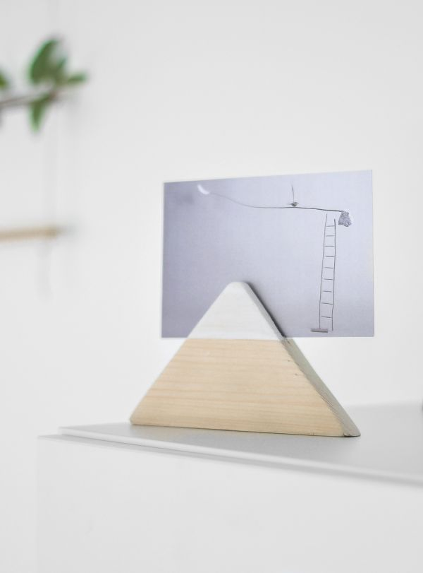 Minimalist photo holder