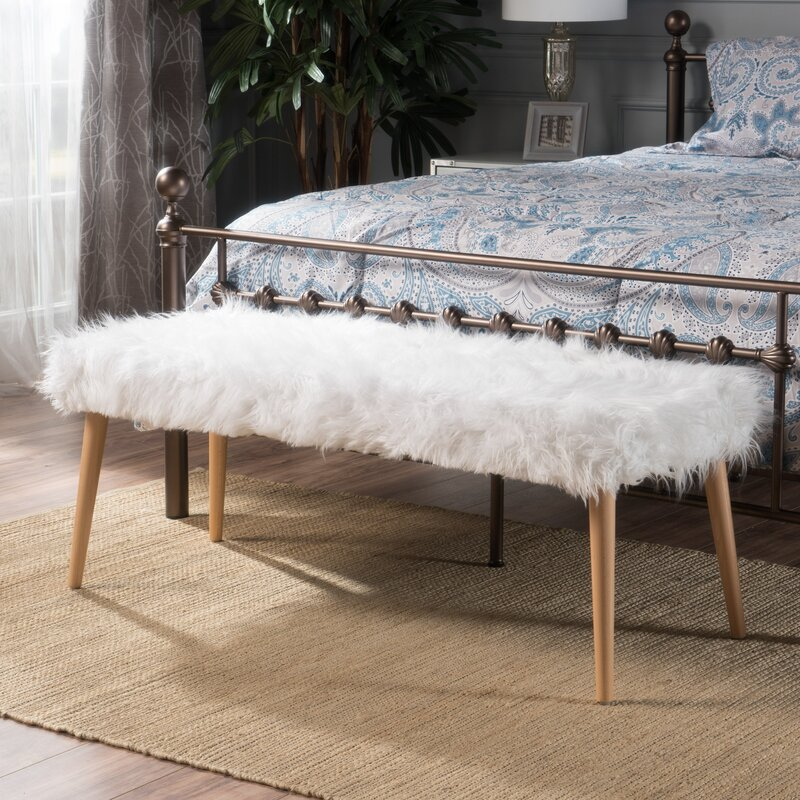 10 Stylish And Comfortable Upholstered Bench Ideas