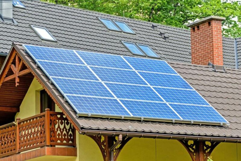 6 Best Off-Grid Solar System Kits for Remote Cabins and Homes